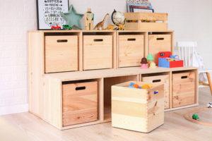 cajas de madera orden en casa
